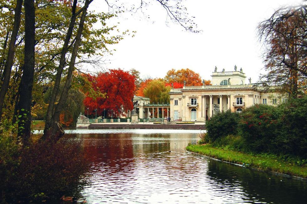 Pałac na Wyspie, Łazienki Królewskie w Warszawie; zaprojektowana przez Tylmana van Gameren królewska rezydencja jest poddawana kompleksowej konserwacji